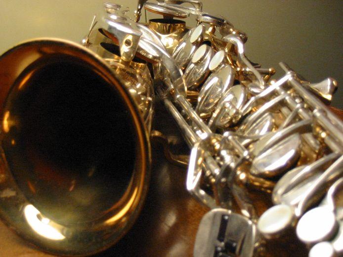 'Begrijpelijk dus dat ik in dit coronatijdperk saxofoonles heb via Skype en niet in het plaatselijke buurthuis De Oase.' Foto ter illustratie.
