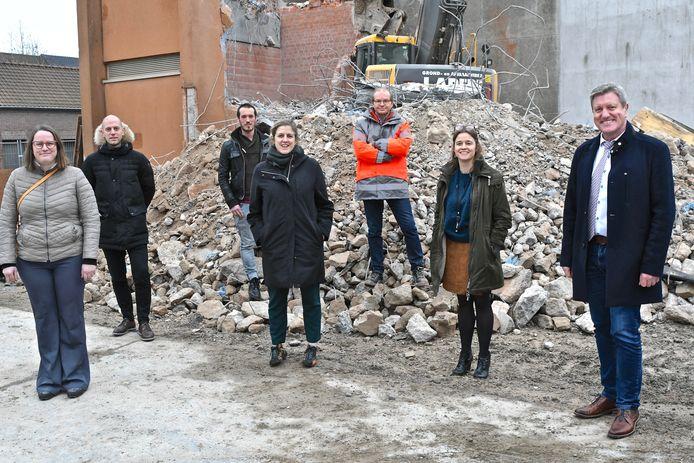 De sloop voorafgaand aan de bouw van de nieuwe nachtopvang is gestart.