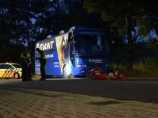 Karter gewond na botsing met touringbus in Vorden
