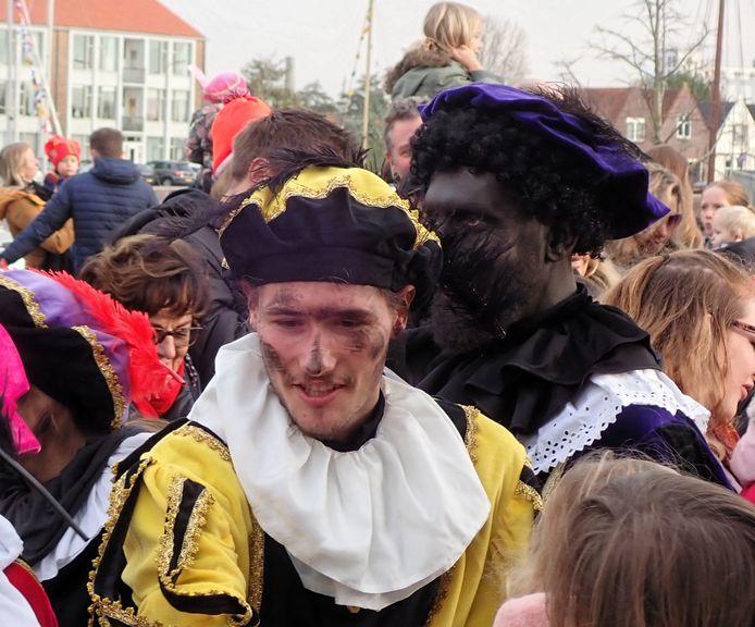 Er waren zowel roetveegpieten als zwarte pieten te zien in Middelburg.