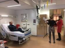 Nagels lakken en een violiste aan je bed: patiënten van het Antonius extra verwend tijdens stakingsdag
