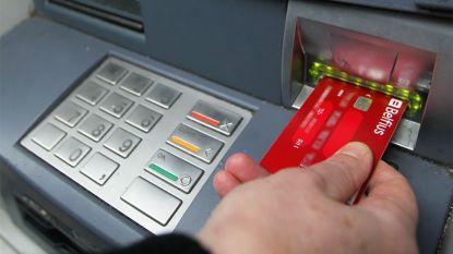 Na de ophef over Bpost: dit kost het bij jouw bank om geld af te halen