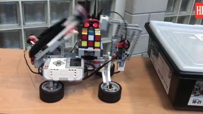 VIDEO. Deze Aalsterse robot lost een Rubiks kubus op in minder dan 2 minuten