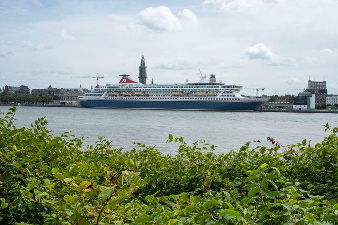 Dit jaar lagen er al 14 zeecruiseschepen aan de kaaien tijdens de zomermaanden en dat was goed voor 10.861 passagiers
