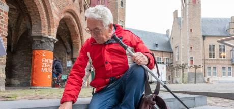Freddy ontdekt zeeleven in de oude stoeptegels van Middelburg