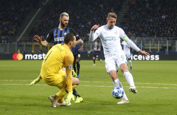 Uitgeschakeld PSV poetst met gelijkspel in San Siro het geschonden blazoen wat op tegen Inter