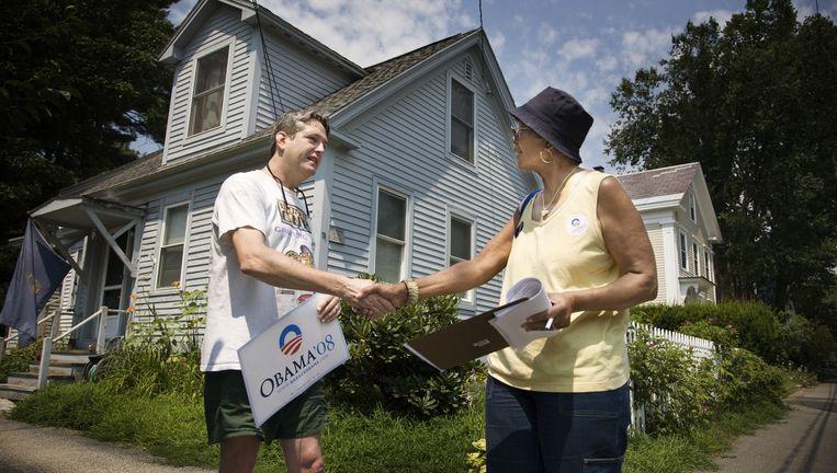 De 73-jarige Marjorie Guess voert deur aan deur campagne voor Obama in het stadje Keenes in New Hampshire, juli 2008. Beeld Daniel Rosenthal