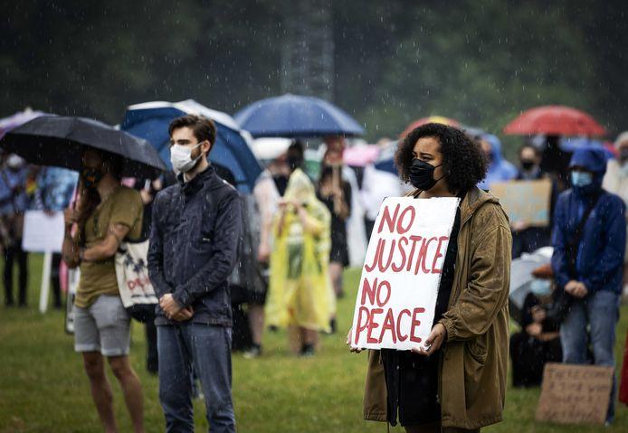 Demonstranten tijdens een Black Lives Matter-protest in Deventer, afgelopen zondag.