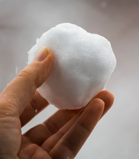 Rechtszaak: jochies gooiden sneeuwbal
