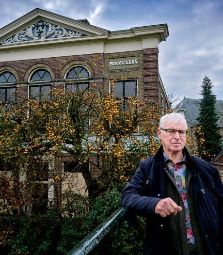 Redding oude raadhuis in Puttershoek nabij: eigenaresse wil vervallen monument snel verkopen