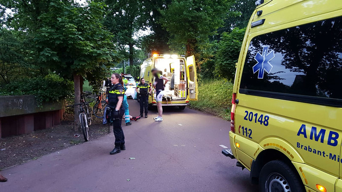Twee ambulances kwamen ter plaatse bij het ongeluk