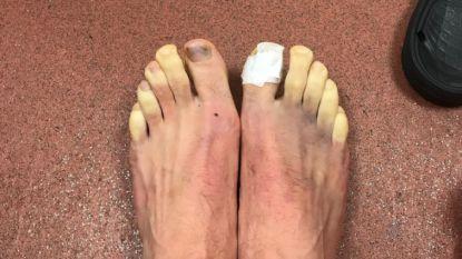 """Liverpool-speler toont hoe bankzitters kunnen lijden tijdens match: """"Iemand suggesties om voeten te ontdooien?"""""""