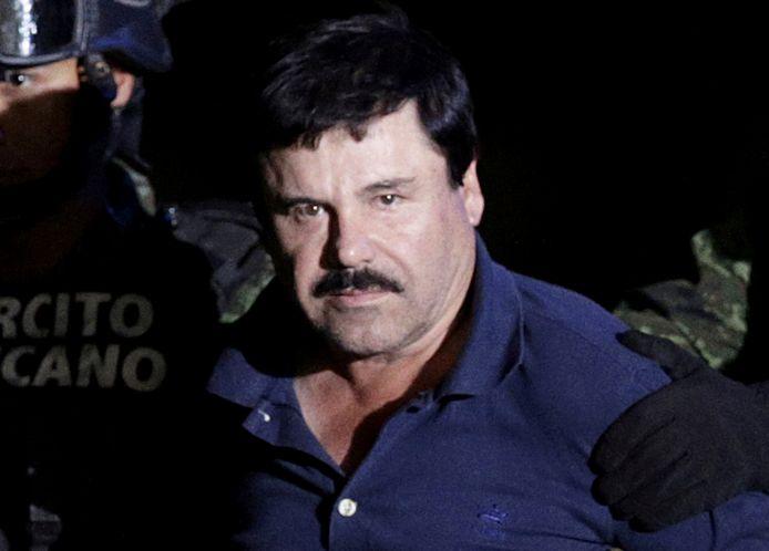 El Chapo tijdens zijn uitlevering aan de VS in 2016.