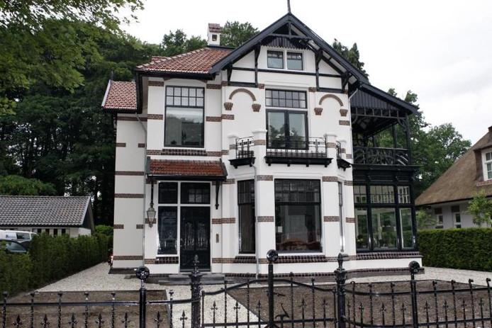 Villa wilhelminapark in oude luister hersteld apeldoorn - Uitbreiding stenen huis ...