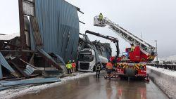 VIDEO. Loods in Gentse haven stort in op vrachtwagen door gewicht van sneeuw