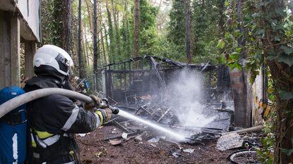 Chalet uitgebrand na mogelijke brandstichting