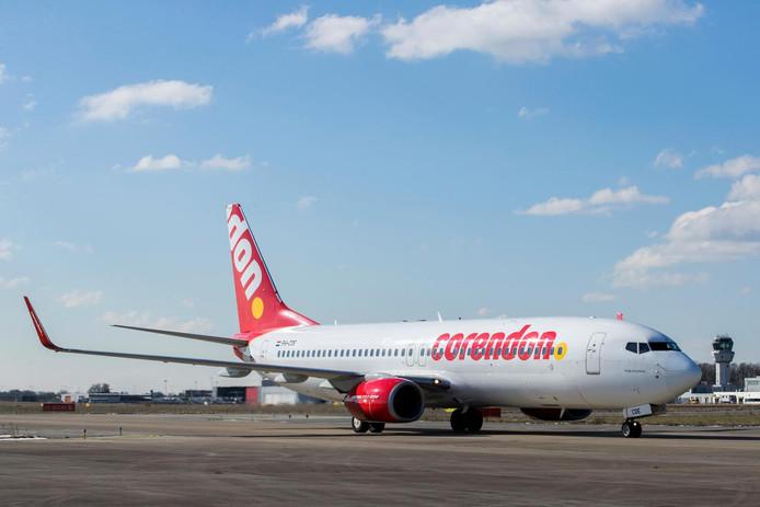 Een vliegtuig van Corendon, hier op Luchthaven Maastricht. Vanaf komende zomer dus ook vanaf Airport Weeze.