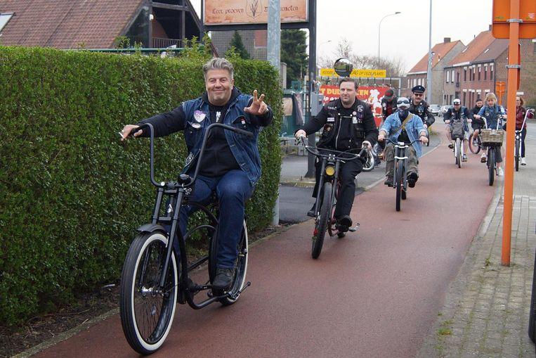 De Zombie Cats Bicycle Club onderneemt opnieuw een 'ride-out' op Rock-a-Hoppy.