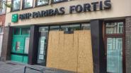 Lokale politica rijdt tegen gevel Fortisbank