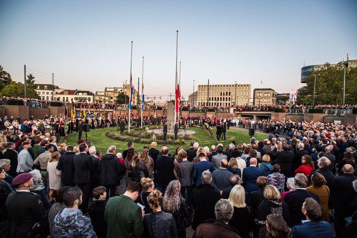 Herdenking van de Slag om Arnhem in de Berenkuil van het Airborneplein in Arnhem in 2019.