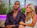 Denzel en Aleksandra wonnen het eerste seizoen van 'Love Island'. Ze vormen nog steeds een koppel.
