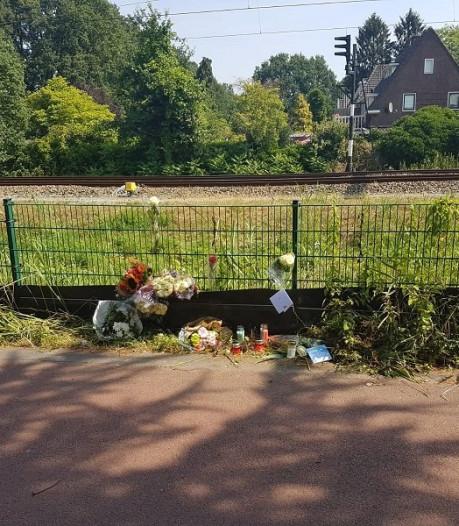 Politie Hengelo vraagt geen brandende kaarsen op plaats ongeval te zetten