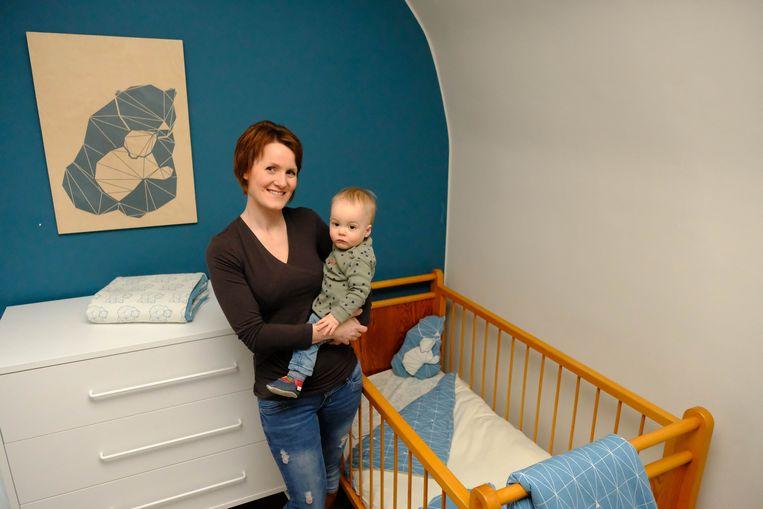 Marleen Van Antwerpen met zoontje Esben en haar HYMY-collectie
