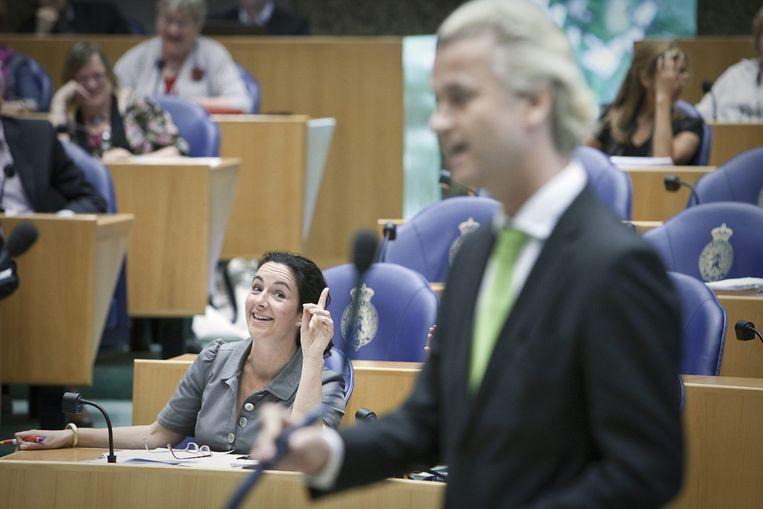 Femke Halsema maakt een opmerking tijdens een interruptie van Geert Wilders (Martijn Beekman/ de Volkskrant) Beeld