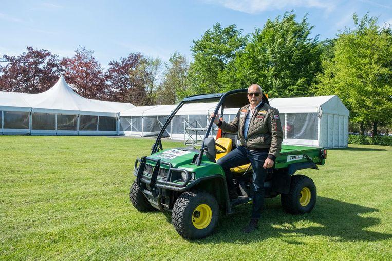 Organisator Frank Crijns is klaar voor het Antwerp Classic Car Event.