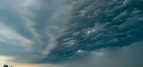 KNMI geeft code geel af: blikseminslag zorgt voor problemen in Brabant