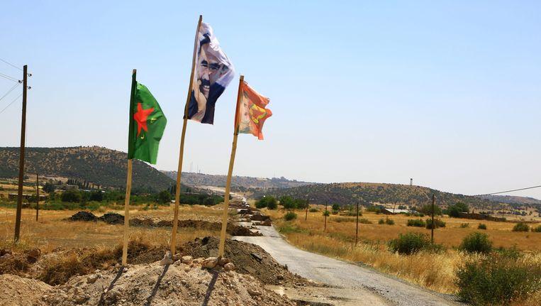 Archiefbeeld: PKK-militanten blokkeerden een weg in Diyarbakir in hun strijd tegen Turkse militairen, op 19 augustus 2015.