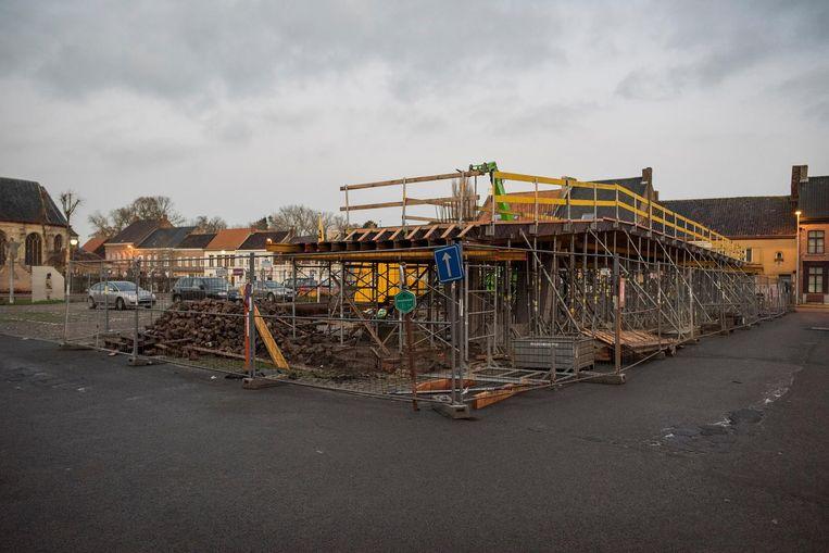 De werken op het Watouplein zijn volop aan de gang.
