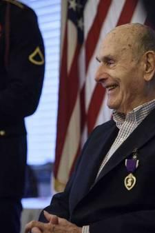 Amerikaanse veteraan (92) krijgt na 70 jaar alsnog een onderscheiding