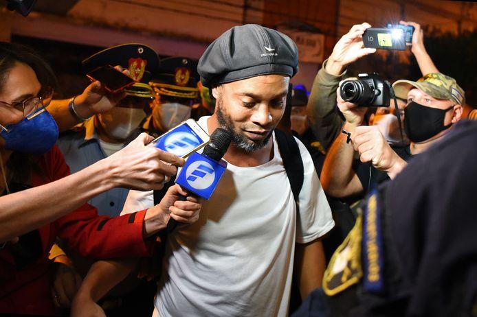 Ronaldinho komt aan bij zijn hotel in Asuncion, archieffoto.