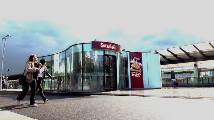 De Smullers-vestiging is inmiddels gesloten.