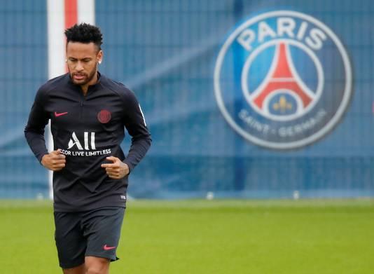 Neymar op de training bij PSG.