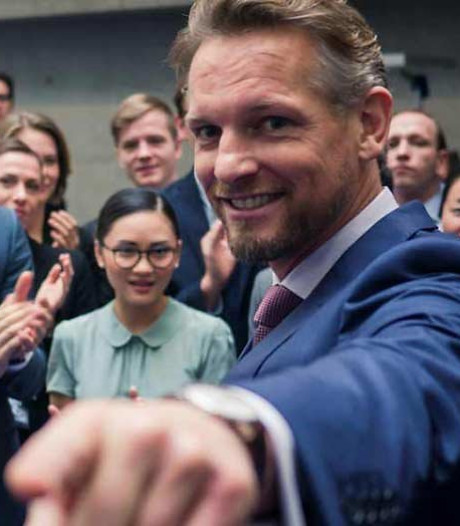 Primeur: Barry Atsma synchroniseert eigen rol in Duitse serie na