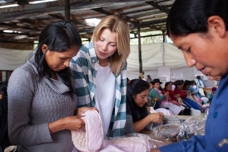 Ondernemen brengt je bij breiende omas in peru hlnart geld ellen kegels met peruaanse vrouwen die kledij maken voor ln knits thecheapjerseys Images