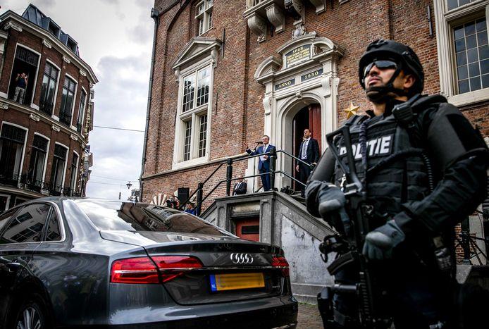 Burgemeester Jos Wienen van Haarlem werd in 2018 en 2019 lange tijd bedreigd, soms zelfs openlijk zoals bij een toespraak.