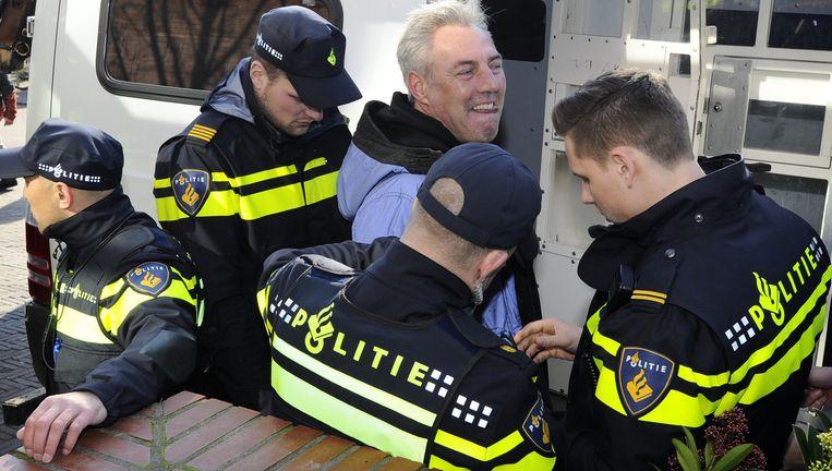 Pegida-voorman Edwin Wagensveld wordt opgepakt. Beeld ANP