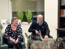 Dochters verliezen beide ouders uit Harderwijk aan corona: 'Ineens moesten we twee kisten in de aarde laten zakken'