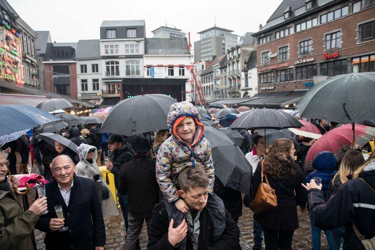 Zo'n 300 dappere Hasselaren daagden ondanks het slechte weer op voor Hasselt Klinkt.