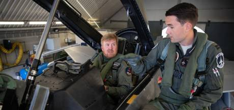 Koning Willem-Alexander neemt deel aan trainingsmissie met F-16