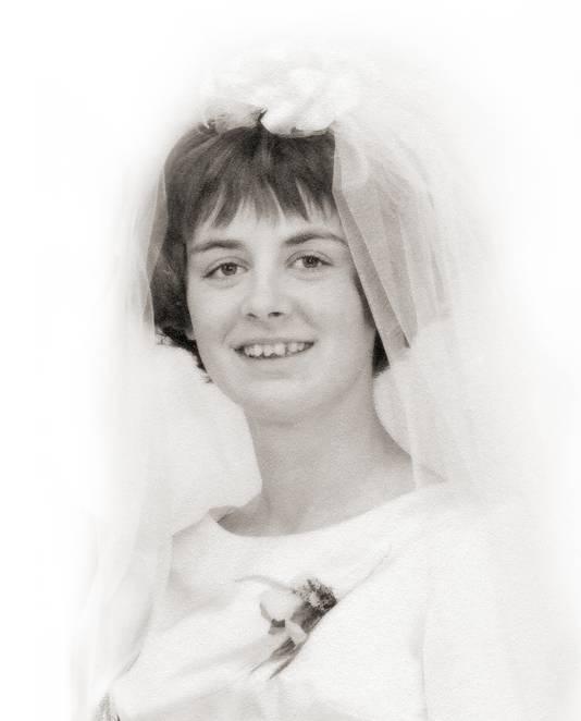 Op 11 december 1971, om drie uur 's nachts, verdween Ria Daanen, moeder van drie kinderen. Bijna een halve eeuw later is ze nog steeds vermist.