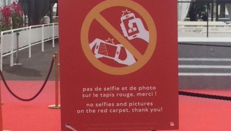 Op Cannes zijn selfies op de rode loper niet toegestaan Beeld Jan Pieter Ekker
