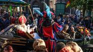 Hippies en de Sint aanwezig op Feesteworpstoet