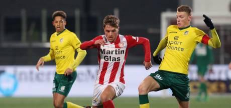 FC Oss pakt door en bindt viertal voor volgend seizoen