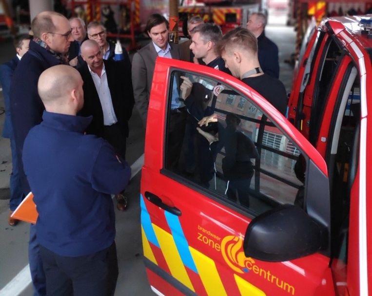De burgemeesters kregen een rondleiding in de hoofdkazerne in Gent.