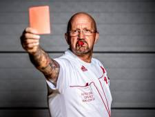 Kleurrijke arbiter Marcel van Ekelenburg 25 jaar in het vak: 'De KNVB kan mijn humor niet waarderen'