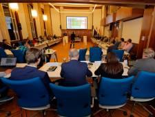 Raadsvergaderingen Vlaardingen in gevaar door sterk verouderde apparatuur